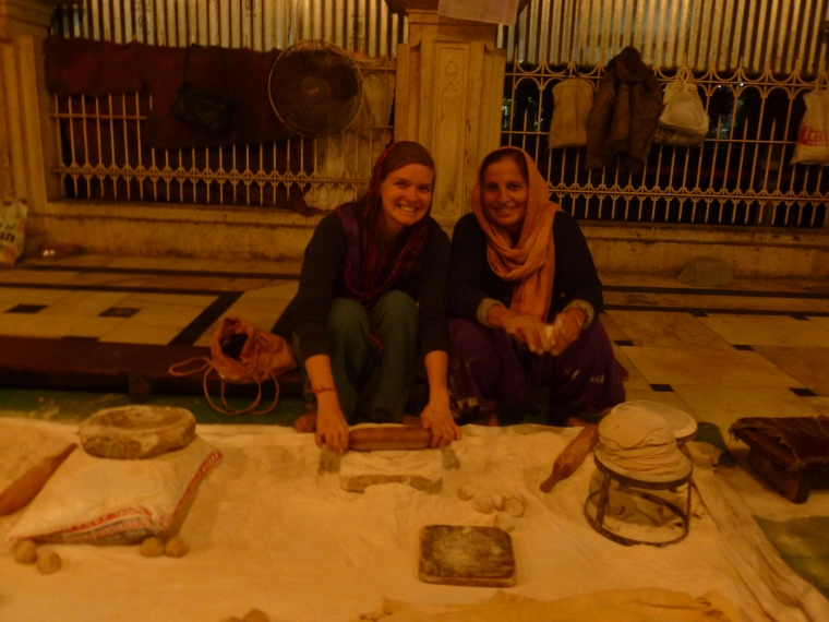 Learning how to make chapati at the Golden Temple